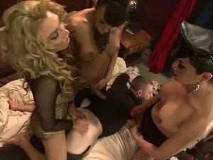 free ladyboy porn pics