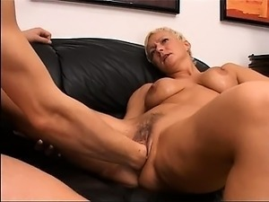free mature tanned blonde videos