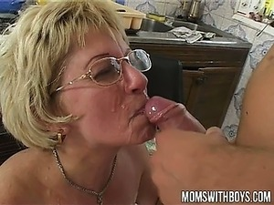 mature russian mom pics