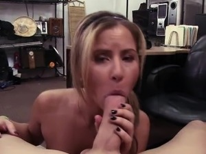 Blonde and beautiful waitress gets a good deal and hammered