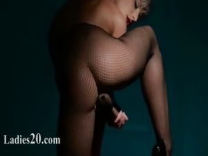 hungry babe masturbating in pantyhose