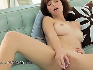 close up grannys shaved pussy masturbating