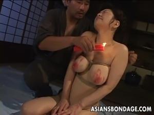 woman bikini wax video