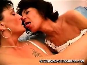 mature lesbians free galleries