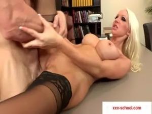 sexy high school girls fucking