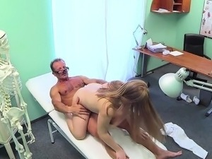 amateur girl paid for blowjob