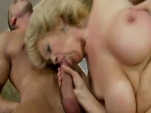 bigtits shaved pussy