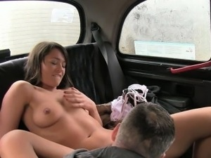 Bushy amateur chick banged and jizzed on by pervert driver