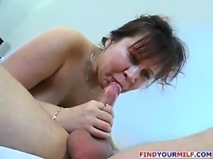 Mature MILF get her ass fucked by young cock