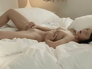 fingering and sucking pussy