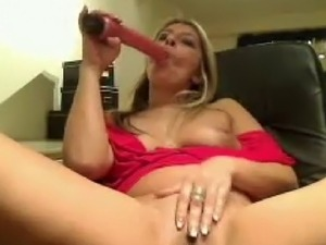 licking womans pussy video