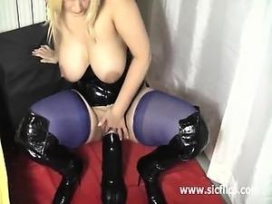 sexy girls fucks dildo