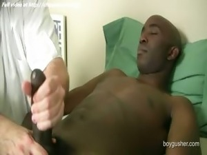 video viril young man jerking off