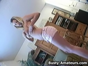 busty amateur mom video sucks