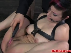 dom wife pussy licked by husband