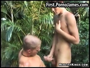 Amateur guys fucking outdoors