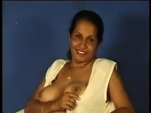 Sexy nude indian aunties
