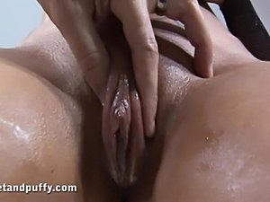 girl cires when she does anal