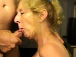 free mature blonde porn thumbs
