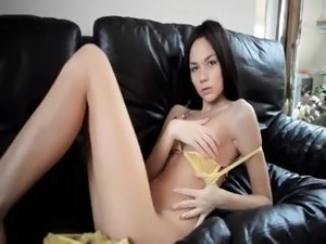 beautiful lugt skinned black pussy