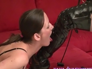 black ebony tranny foot licking