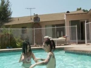 free swimming pool sex pics