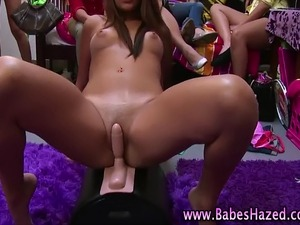teen girl cumming on sybian