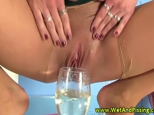 girls drinking piss free vids