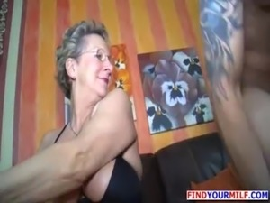 mother gives her son oral sex