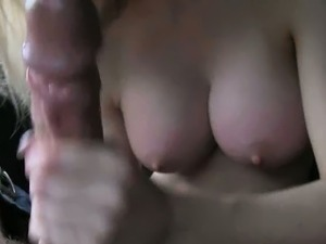 girls flash pussy in public