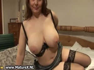 Horny mature wife in sexy lingerie loves free