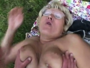 naked outdoor mature pics