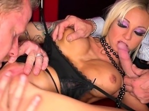 housewife blowjob swallow