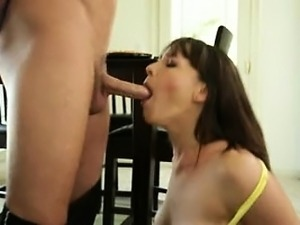 Brunette MILF Dana DeArmond gives a great blowjob surprise