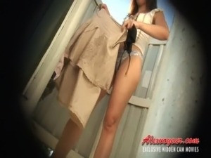 teen girls voyeur shower