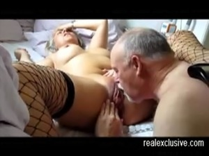wife fucks friend to creampie pussy