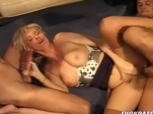 free mature blonde in stockings video