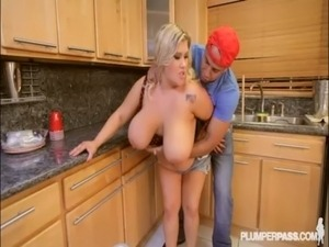 lonely plumber suck housewife
