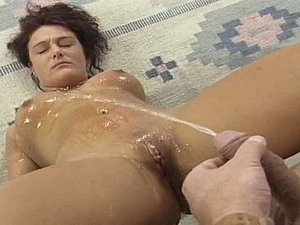 pissing pussy close up