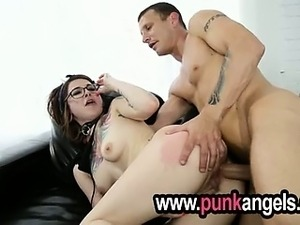 goth girl giving blowjob