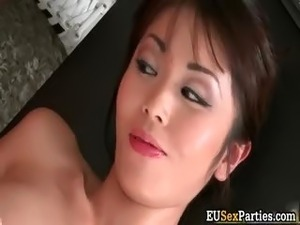 Cute face horny asian babe gets naked part3