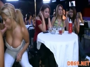 girls dance topless at glamas