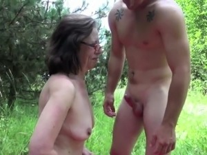 free hot outdoor mature sex vids