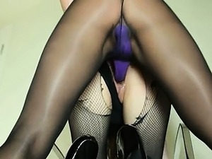 hairy pussy in nylon stockings