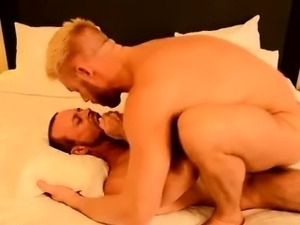 Gay fuck The Boss Gets Some Muscle Ass