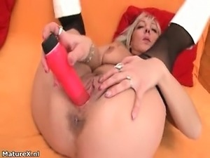 Nasty mature slut gets horny dildo part4