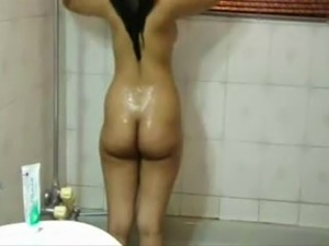 asian girl bath