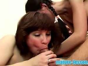 xxx youngand mature threesome