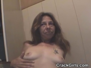 Very rough looking mature street whore with crack problem on her knees...
