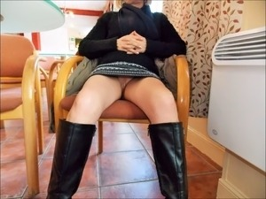 wife upskirt video